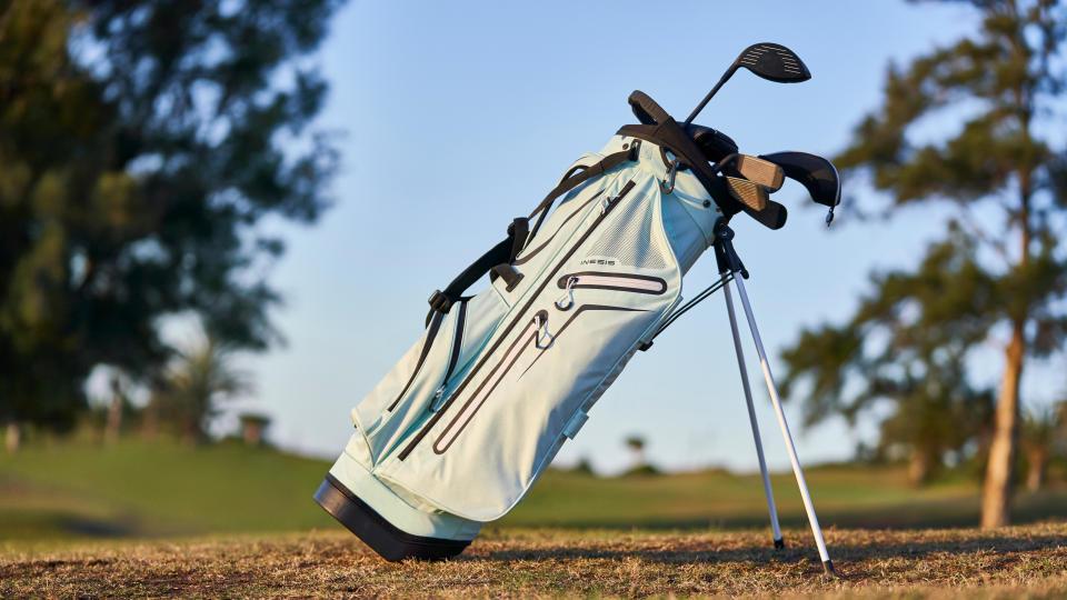 header-stocker-matériel-golf