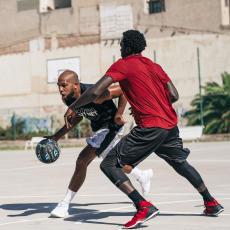 3 個籃球技巧挑戰高個子球員 速度優勢