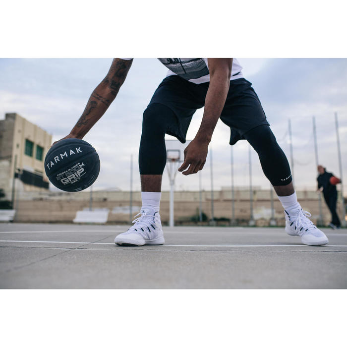 Basketball BT500 Grip Größe7 Erwachsene schwarz Super Ballgefühl