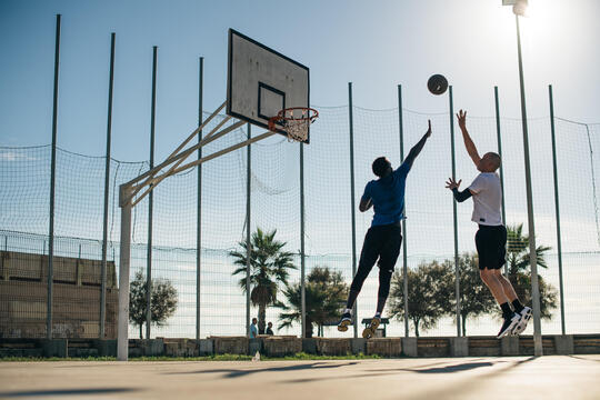 籃球 控球、前鋒、中鋒?找到你在球場上的位置!