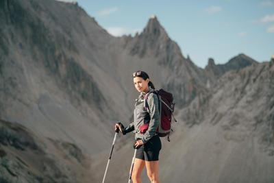 Short de senderismo montaña Mujer MH500 Negro