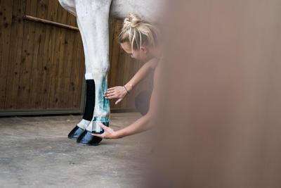Gel refrescante tendones equitación fouganza COOL GEL caballo y poni 500ml