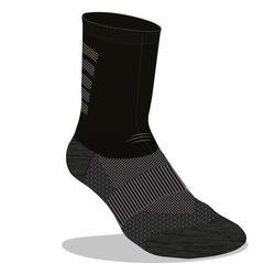 美麗諾羊毛中筒跑步襪 - 黑色