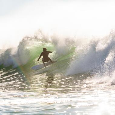 surfer en hiver