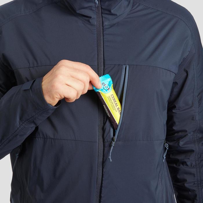 Warme winddichte softshelljas voor bergtrekking heren Trek 900 Windwarm blauw