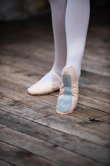 chausson-toile-danse-classique-decathlon.jpg
