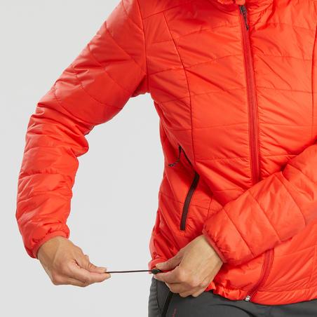 Пуховик жіночий Trek 100 для гірського трекінгу, з капюшоном - Кораловий