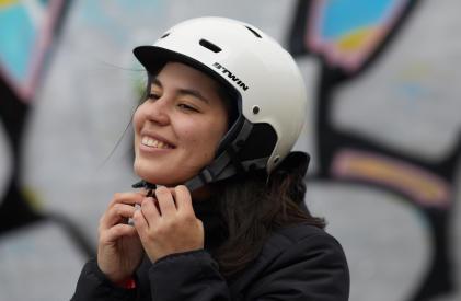 Femme reprendre le sport vélo en ville