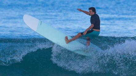 Olaian-Comment-choisir-sa-planche-de-surf-Longboard.jpg