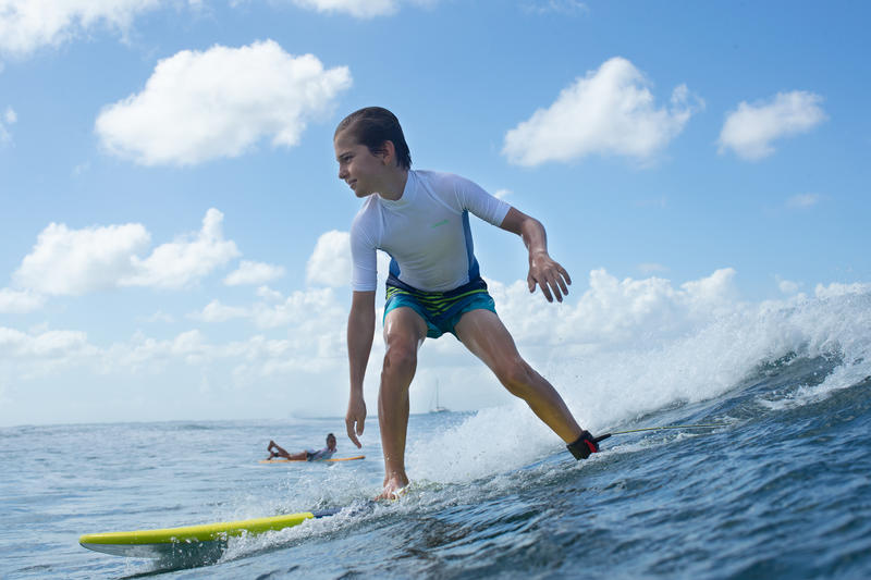 Boardshort corto de surf 100 Kid Stripy verde