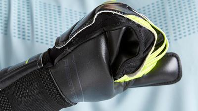 Gant de gardien de football adulte F100 RESIST noir jaune