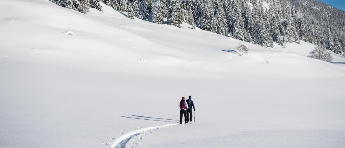 Découvrir et s'initier à la pratique du ski raquette