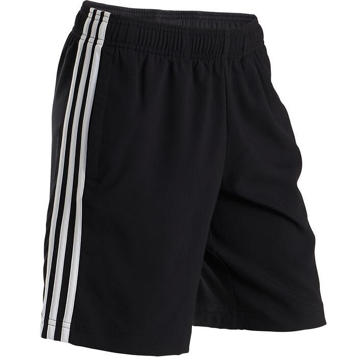 Short garçon avec le logo sur la jambe et les 3 bandes blanches sur les côtés