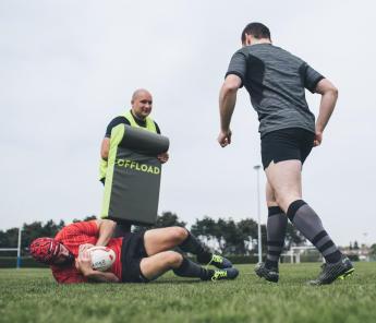 conseils-skills-rugby-comment-s'entrainer-avec-sacs-et-boucliers-de-plaquage