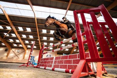 Alt/le saut d'obstacles