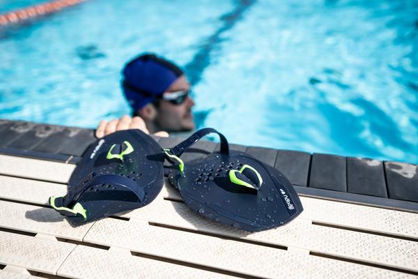 Entdecke unsere Schwimmapddels für dein perfektes Schwimmtraining