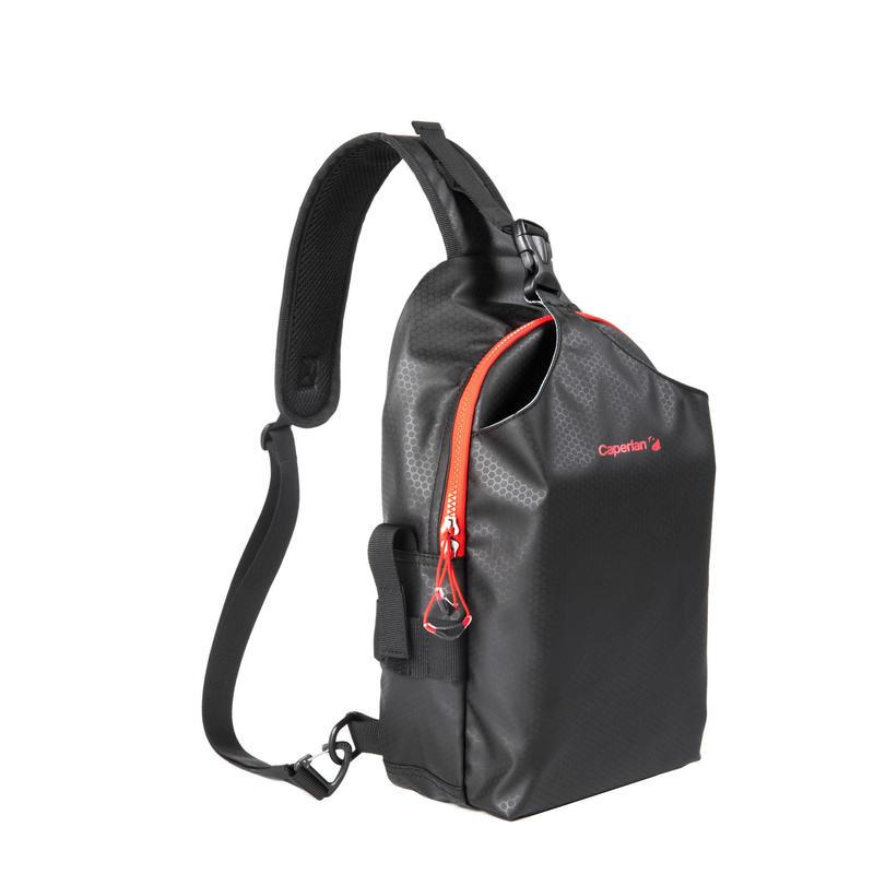 CN  Black BAG OF LURE ACC .