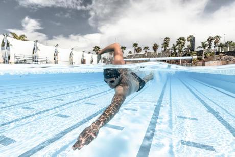 精進游泳技巧