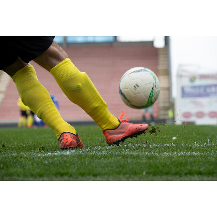 Chaussure de football adulte terrains secs CLR FG orange et noir
