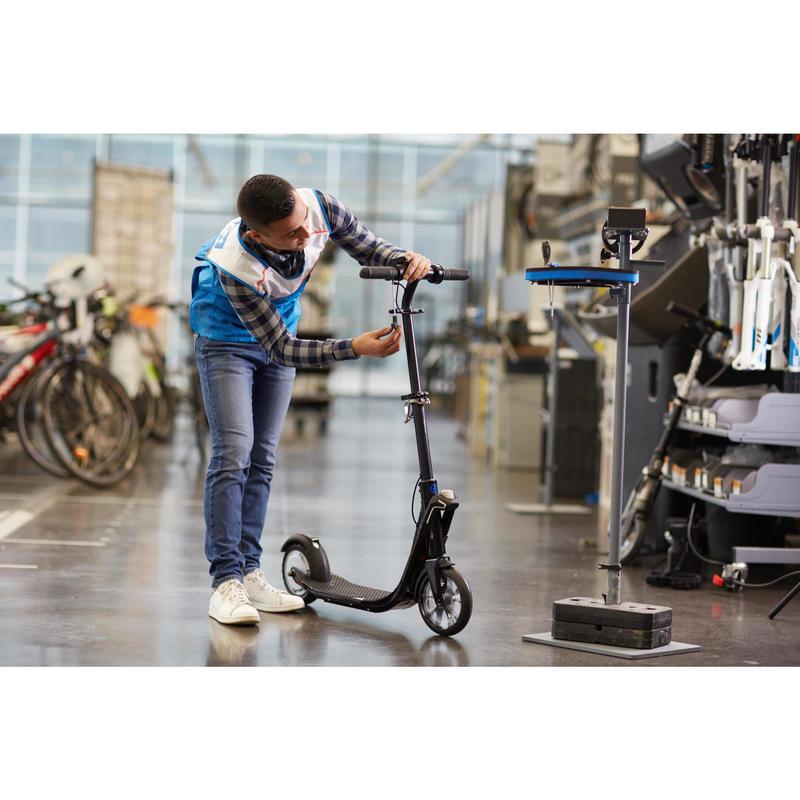 Réparation accessoires et roues trottinettes en magasin