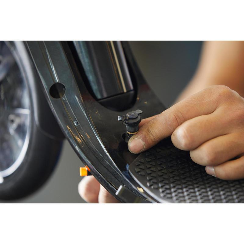 Changement du plug de charge pour trottinettes électriques
