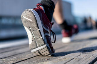 walking shoes tester