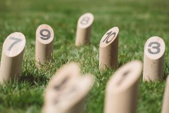 jouer-petanque-quilles-jardin