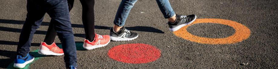 enfant-marche-premier-sport