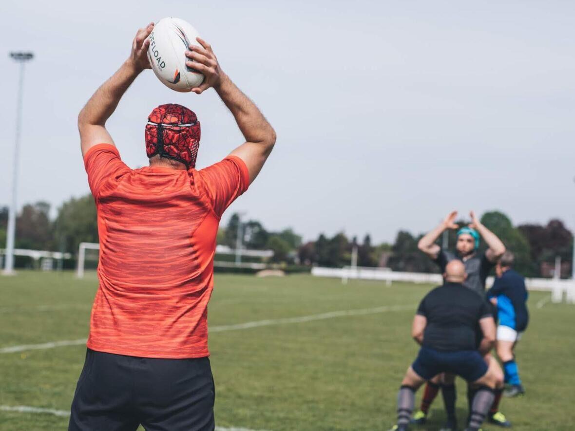 La touche nécessite coordination, technique et réactivité