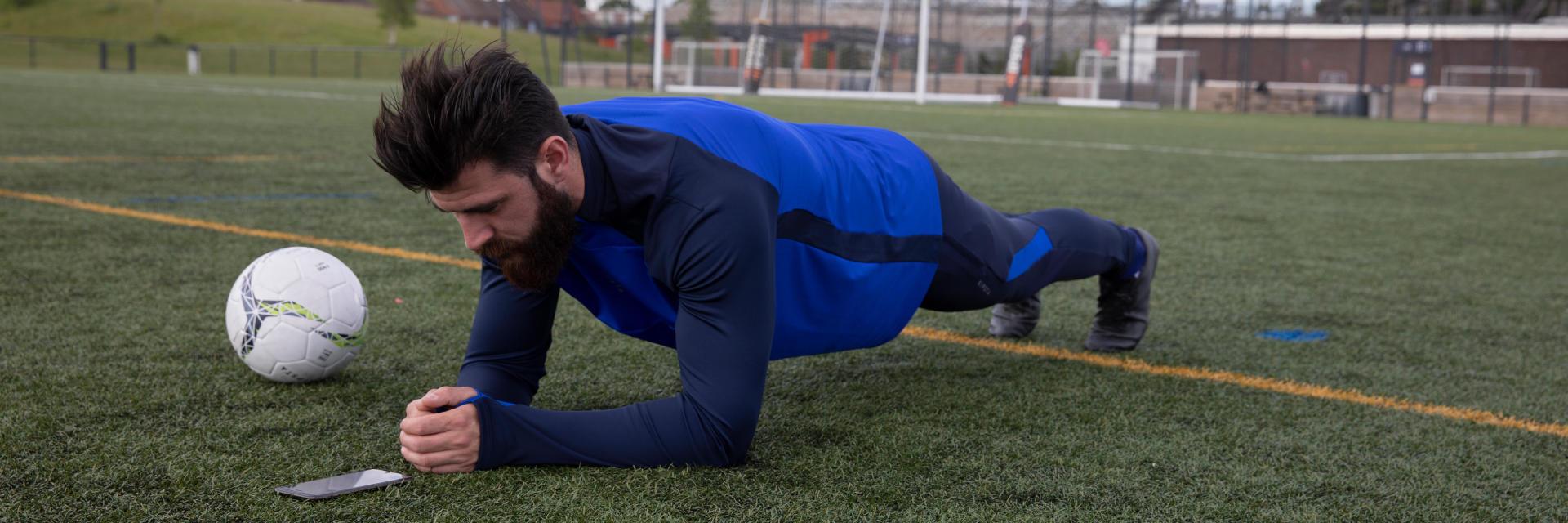 Muscler-pour-le-football-sans-matériel