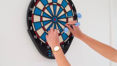 Jouer-enfants-fl%C3%A9chettes-maison-darts-decathlon-canaveral.jpg