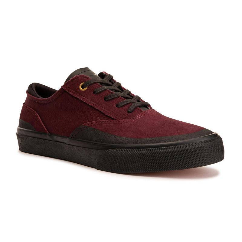 Vulca 500 Adult Low-Top Skate Shoes - Burgundy/Black Sole