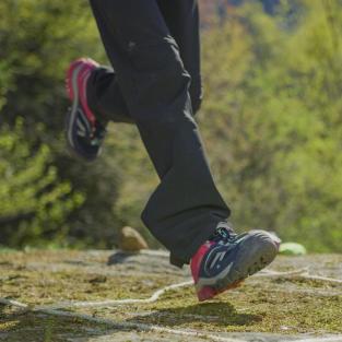 équipez vos enfants pour randonner chaussures montagne quechua decathlon