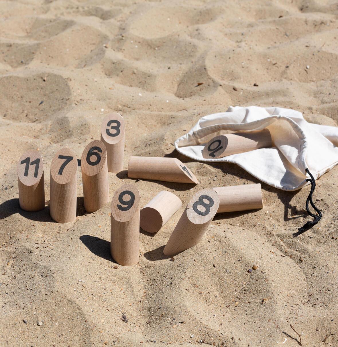 jeux-de-quilles-plage-sable