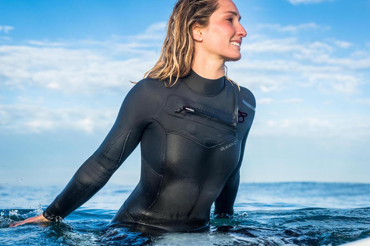 combinaison-neoprene-femme-4-3-front-zip-surf-olaian-decathlon.jpg