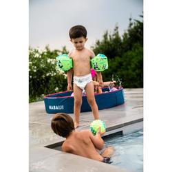 Kleine waterbal voor watergewenning groen met gele noppen
