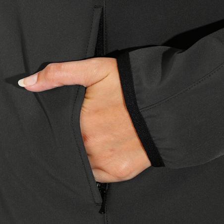 """Moteriška jodinėjimo striukė su gobtuvu """"500 Softshell"""" ‒ tamsiai pilka"""