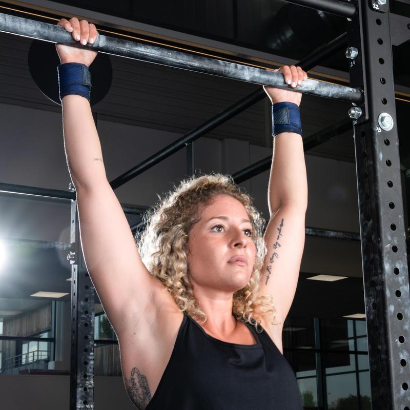 สายรัดข้อมือเพื่อการออกกำลังกายแบบผสมผสาน (สีน้ำเงิน)