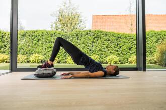 Pilates & pancia piatta: fai lavorare il muscolo trasverso | DECATHLON