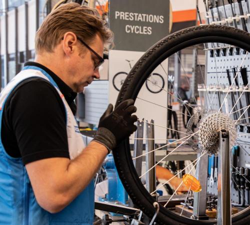 decathlon workshop maintenance repair personalisation