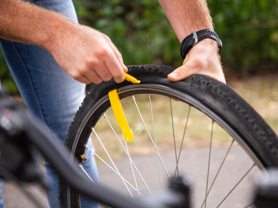 Guide to repairing a punctured tyre Part 1: How to repair