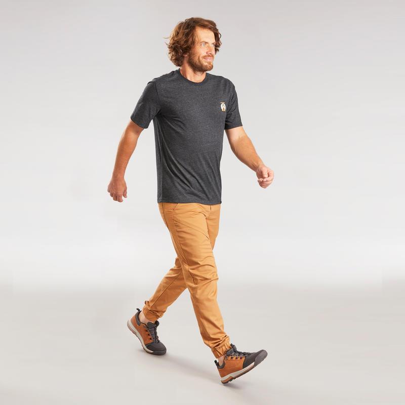เสื้อยืดผู้ชายสำหรับใส่เดินในเส้นทางธรรมชาติรุ่น NH500