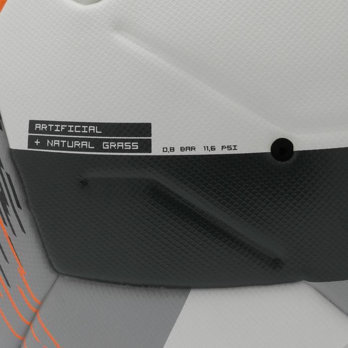 Voetbal F900 FIFA Pro maat 5 wit/grijs