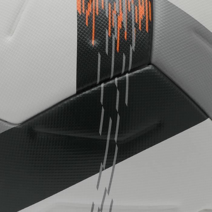 Voetbal F900 FIFA thermisch gelijmd maat 5 wit