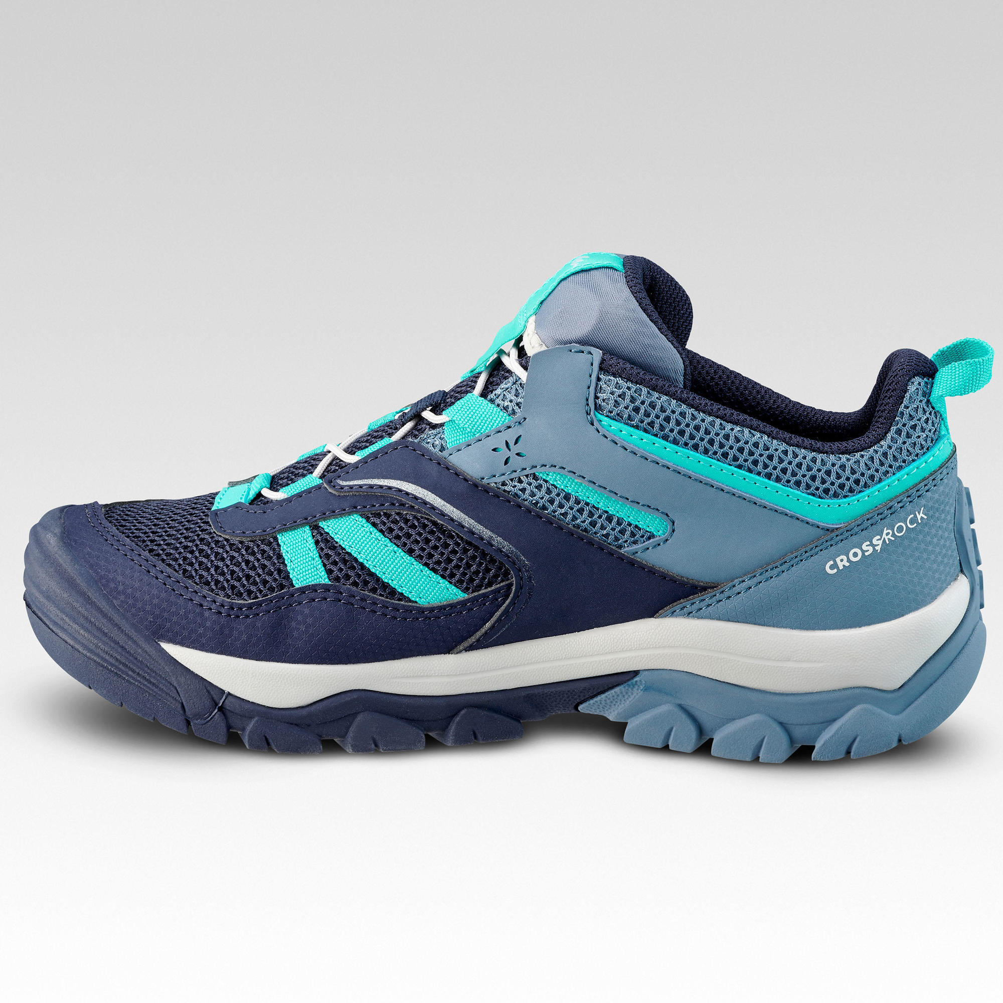 Girl's low mountain walking lace-up