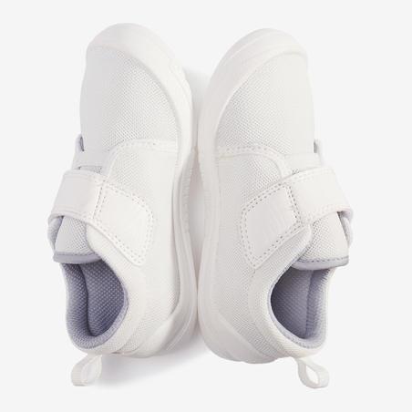 Sepatu 160 I Move First - Putih