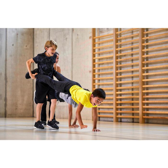 Ademend T-shirt met korte mouwen voor gym jongens S500 synthetisch zwart AOP