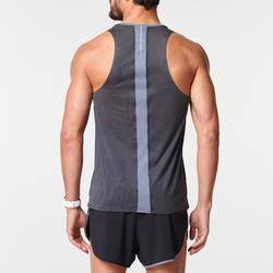 Ademend mouwloos hardloopshirt voor heren Kiprun Light zwart