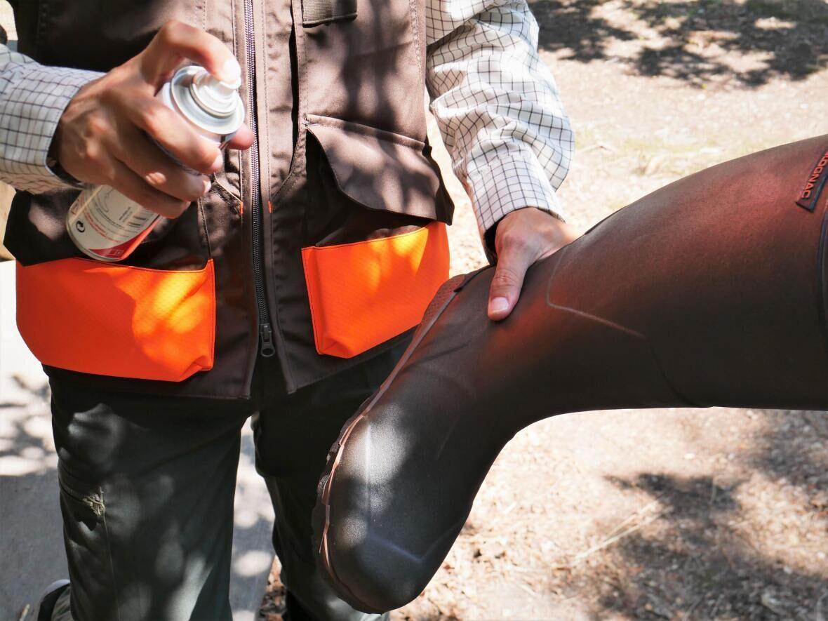 Utiliser un spray ré-imperméabilisant pour rénover ses bottes