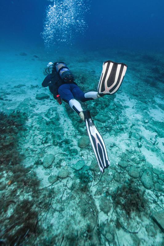 Scuba Diving Fins SCD 900 - Black and White